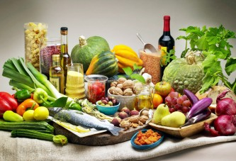 Mediterranean diet keeps aging brain healthy