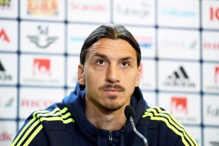 Ibrahimovic confirms move to Manchester United