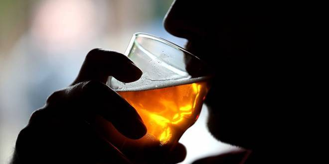 Heavy drinking may lead to breathing problems