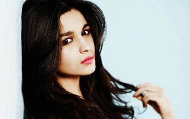 I would rather be stupid than pretend to be intelligent: Alia Bhatt