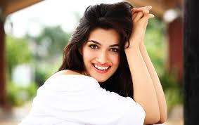 Dubbing is like reliving the whole film: KritiSanon