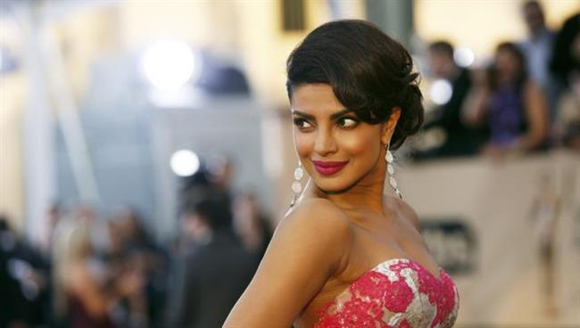 Don't divide Indian cinema: Priyanka Chopra