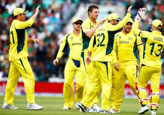 Australia reduce England to 93/4, lead by 210 runs on Day 4