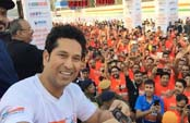 Sachin centre of attraction at Kolkata marathon