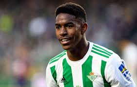 Real Betis defender Junior Firpo extends contract